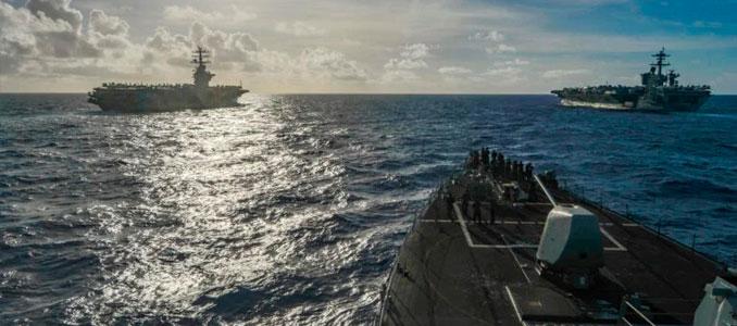 USS Theodore Roosevelt y el USS Nimitz
