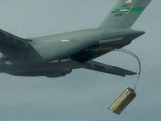 municiones paletizadas desde un C-17